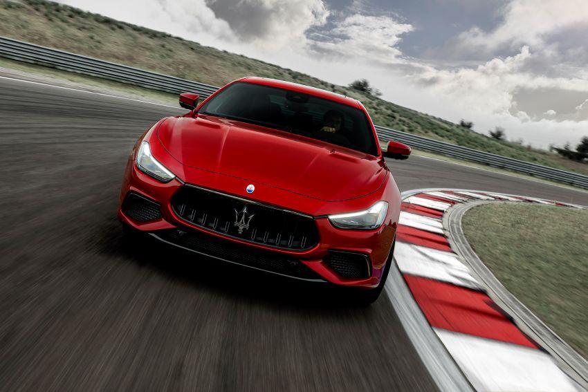 Maserati debuts Trofeo versions of the Ghibli and Quattroporte – 3.8L Ferrari V8; 580 PS and 730 Nm Image #1157970