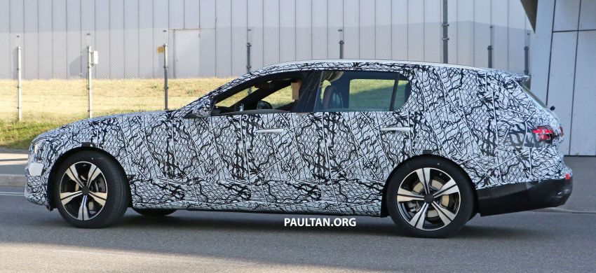 SPYSHOTS: Mercedes-Benz C-Class station wagon seen testing; 'X206' All-Terrain variant to join line-up Image #1158605