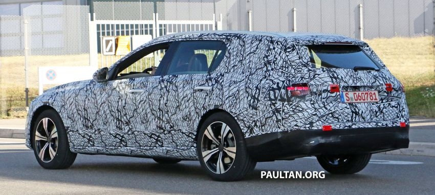 SPYSHOTS: Mercedes-Benz C-Class station wagon seen testing; 'X206' All-Terrain variant to join line-up Image #1158603