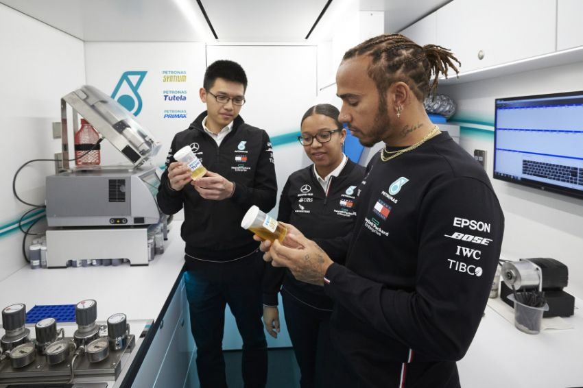 Petronas Trackside Fluid Engineers – we talk to En De Liow and Stephanie Travers about Formula 1 in 2020 Image #1163455