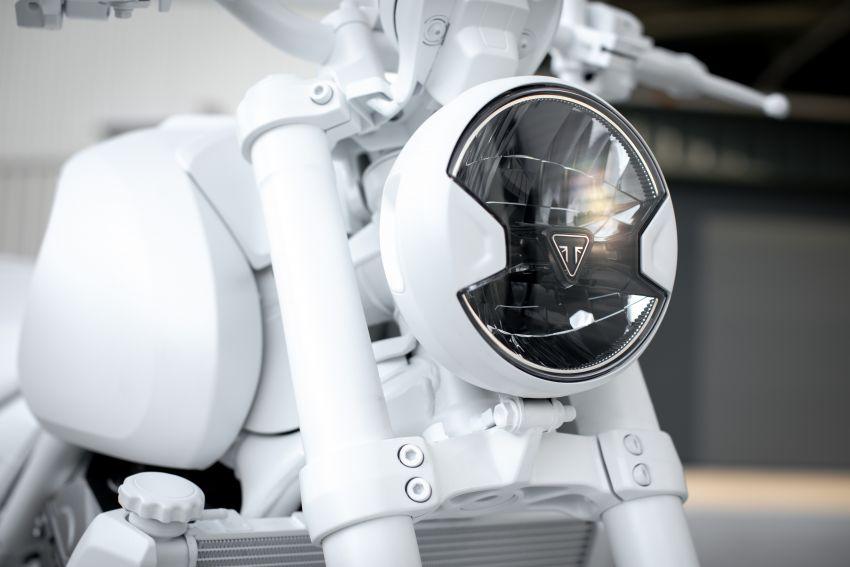 Triumph Trident Prototype – petunjuk model produksi yang akan dilancar tahun depan, enjin tiga silinder Image #1166568
