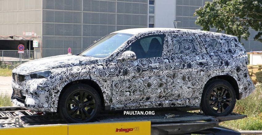 SPYSHOTS: next BMW X1 seen; to spawn iX1 pure EV Image #1160502