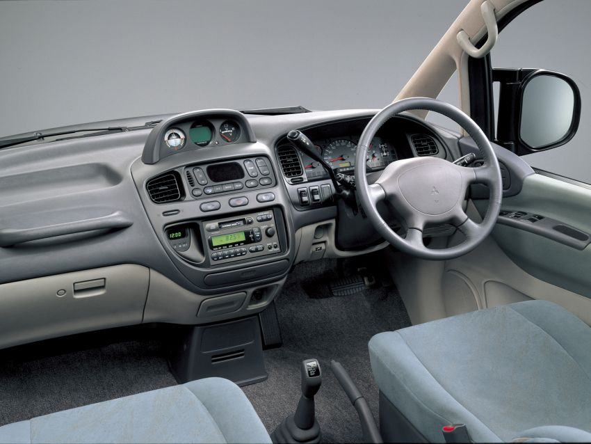 Mitsubishi Grandis, Delica, Space Gear, Pajero – a long line of seven-seaters before the upcoming Xpander Image #1164886