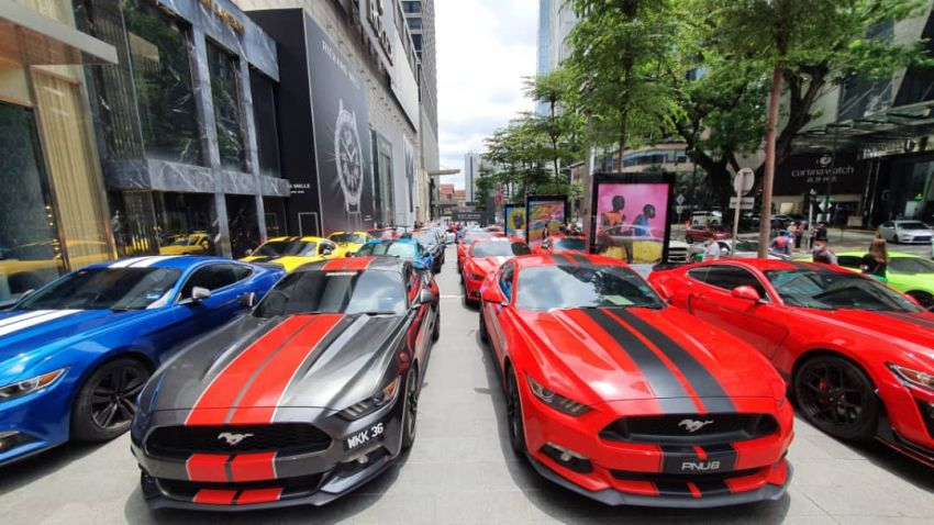 137 Ford Mustang gathering in Malaysian Record Book Image #1185394