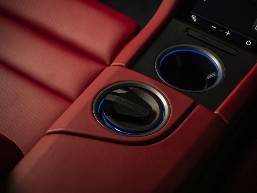 Porsche Taycan tiba di Malaysia – tiga varian, harga RM725k – RM1.2 juta, jarak gerak hingga 464 km Image #1178392