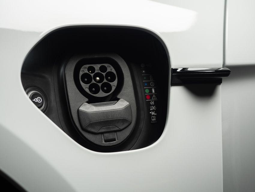 Porsche Taycan tiba di Malaysia – tiga varian, harga RM725k – RM1.2 juta, jarak gerak hingga 464 km Image #1178386