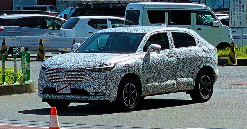 SPYSHOTS: 2021 Honda HR-V spotted for the first time in Japan – more rugged design, steeper rear glass Image #1176188