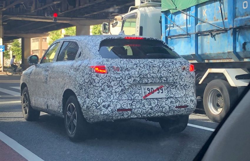 SPYSHOTS: 2021 Honda HR-V spotted for the first time in Japan – more rugged design, steeper rear glass Image #1176189