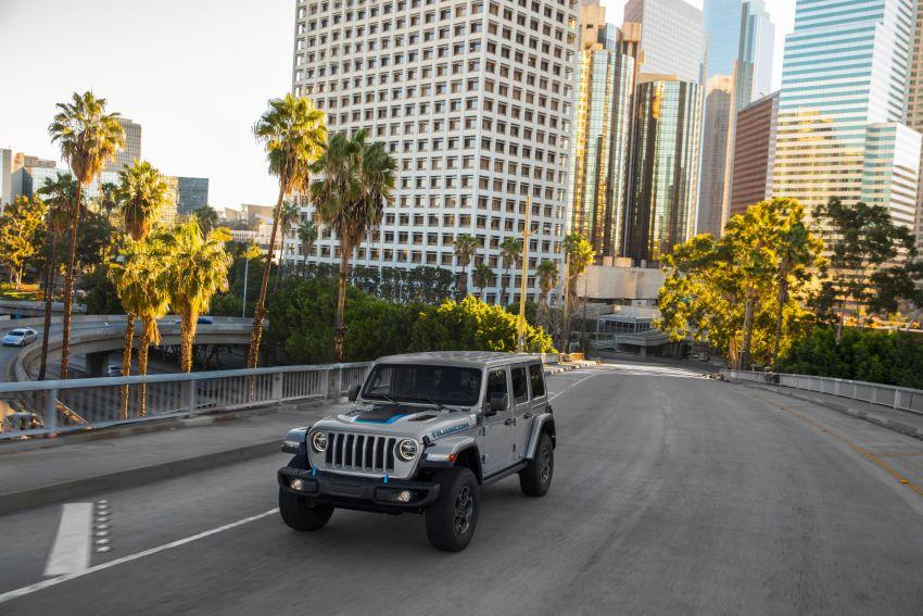 2021 Jeep Wrangler 4xe debuts – 375 hp/637 Nm 2.0L turbo twin-motor plug-in hybrid; 40 km electric range Image #1171353