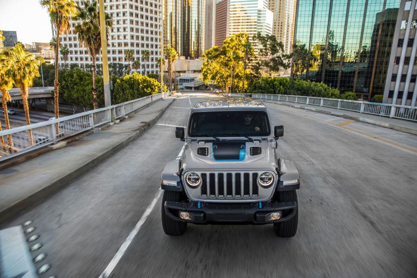 2021 Jeep Wrangler 4xe debuts – 375 hp/637 Nm 2.0L turbo twin-motor plug-in hybrid; 40 km electric range Image #1171351