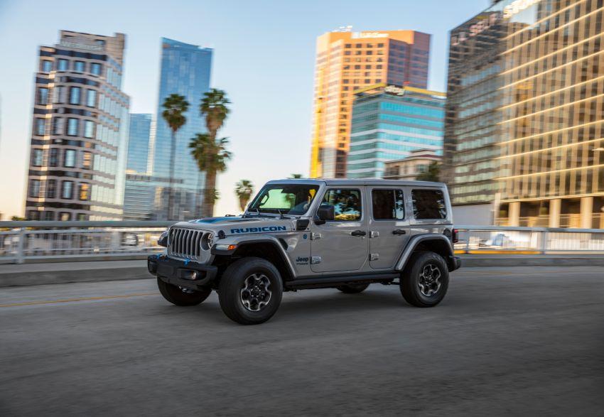 2021 Jeep Wrangler 4xe debuts – 375 hp/637 Nm 2.0L turbo twin-motor plug-in hybrid; 40 km electric range Image #1171350