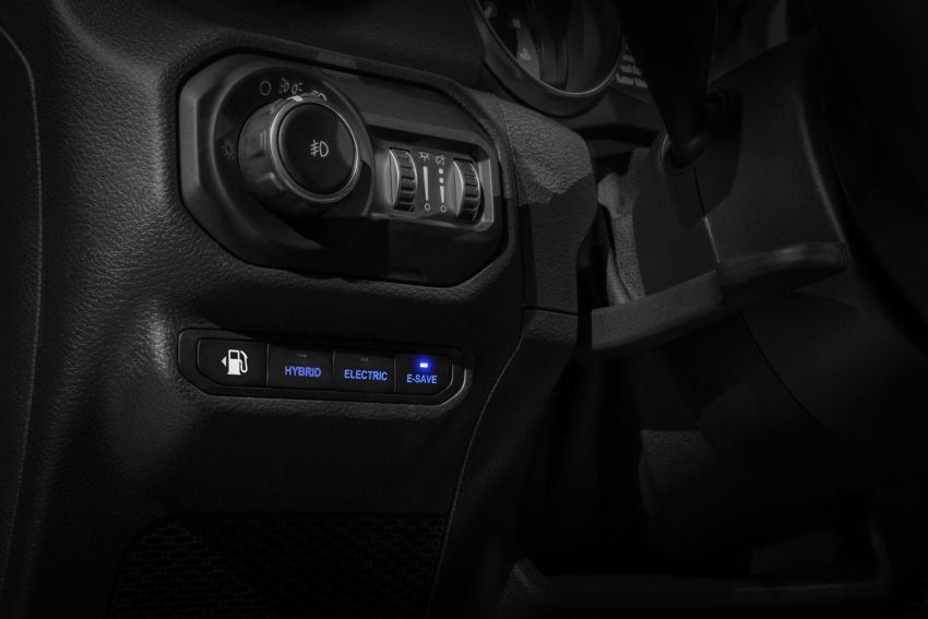 2021 Jeep Wrangler 4xe debuts – 375 hp/637 Nm 2.0L turbo twin-motor plug-in hybrid; 40 km electric range Image #1171316