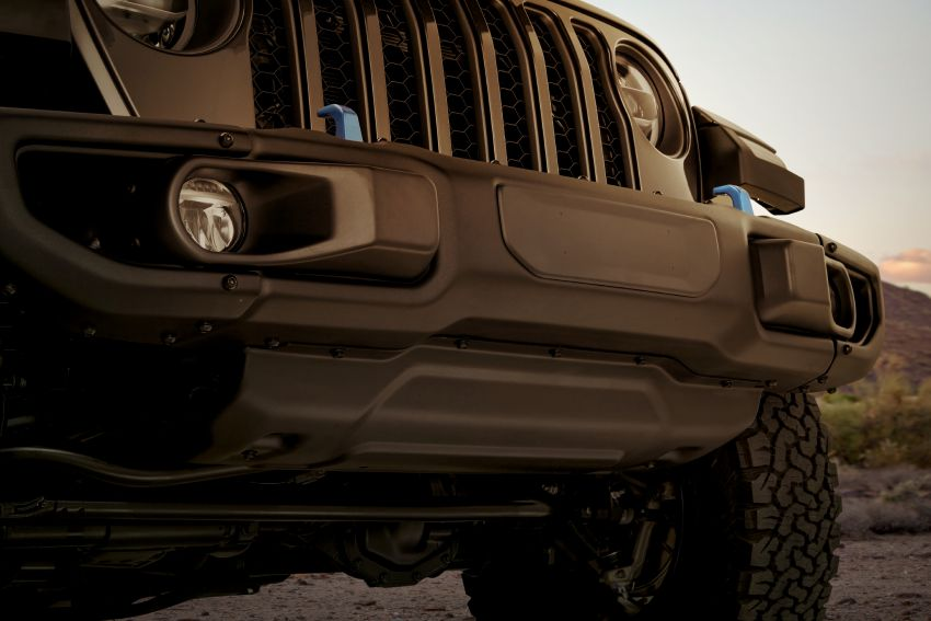 2021 Jeep Wrangler 4xe debuts – 375 hp/637 Nm 2.0L turbo twin-motor plug-in hybrid; 40 km electric range Image #1171315