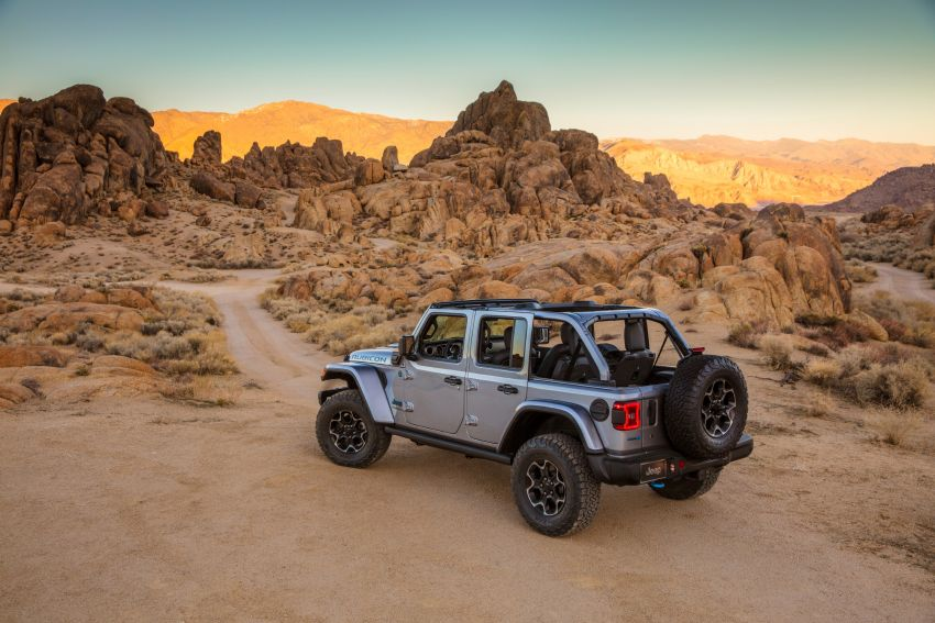 2021 Jeep Wrangler 4xe debuts – 375 hp/637 Nm 2.0L turbo twin-motor plug-in hybrid; 40 km electric range Image #1171366