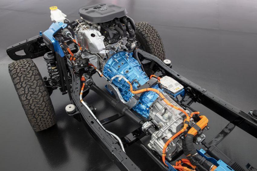 2021 Jeep Wrangler 4xe debuts – 375 hp/637 Nm 2.0L turbo twin-motor plug-in hybrid; 40 km electric range Image #1171309