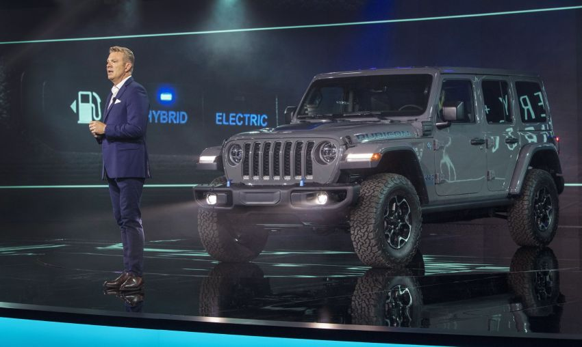 2021 Jeep Wrangler 4xe debuts – 375 hp/637 Nm 2.0L turbo twin-motor plug-in hybrid; 40 km electric range Image #1171301