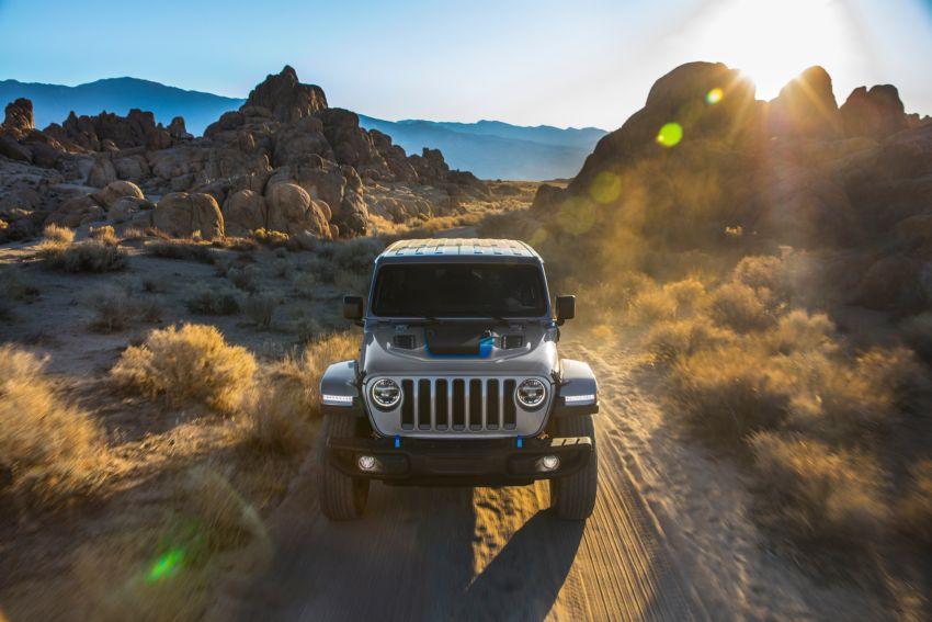 2021 Jeep Wrangler 4xe debuts – 375 hp/637 Nm 2.0L turbo twin-motor plug-in hybrid; 40 km electric range Image #1171363