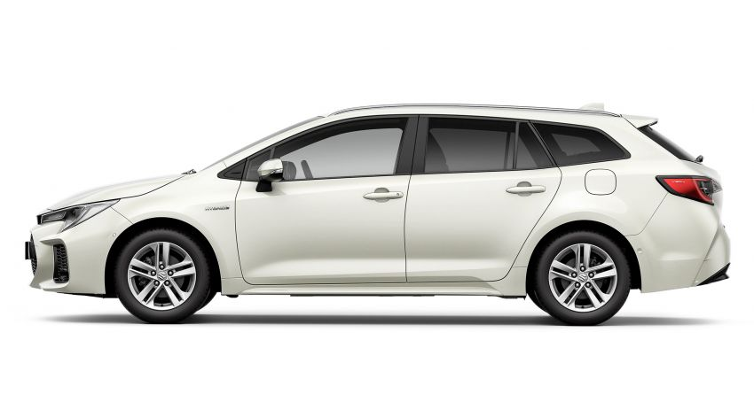 2021 Suzuki Swace launched in Europe – rebadged Toyota Corolla Touring Sports with 1.8L hybrid engine Image #1178116