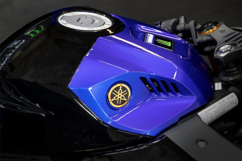 2021 Yamaha YZF-R3 in new teal and MotoGP livery Image #1174195
