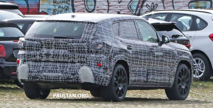 SPYSHOTS: BMW X8 sighted – a chopped-roof X7? Image #1184348