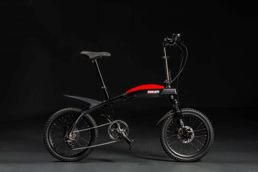 Ducati shows three new electric folding bicycles Image #1169849
