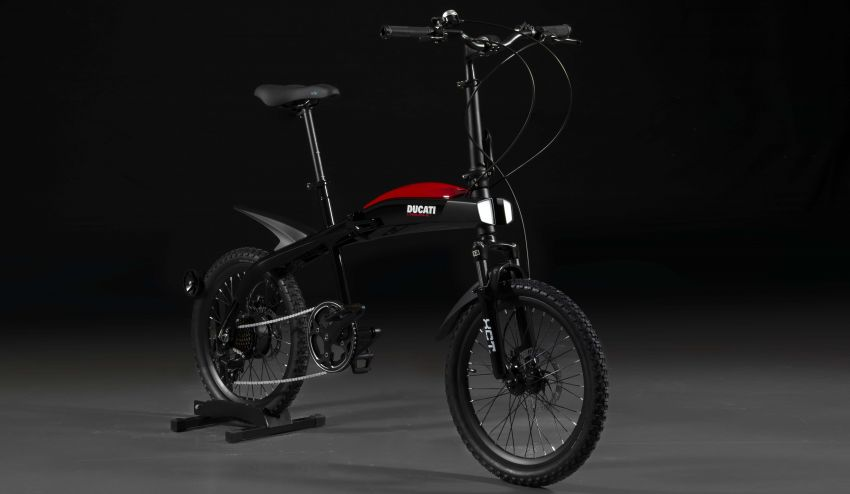 Ducati shows three new electric folding bicycles Image #1169851