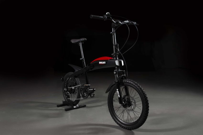 Ducati shows three new electric folding bicycles Image #1169854