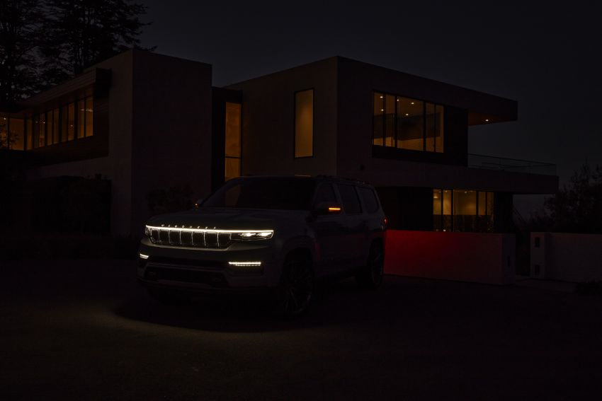 Jeep Grand Wagoneer Concept previews new premium SUV lineup – plug-in hybrid power, production in 2021 Image #1172442