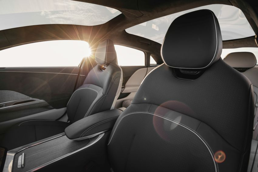Lucid Air – production electric sedan debuts with up to 1,080 hp, 0-60 mph in 2.5 secs, 832 km of range Image #1174519