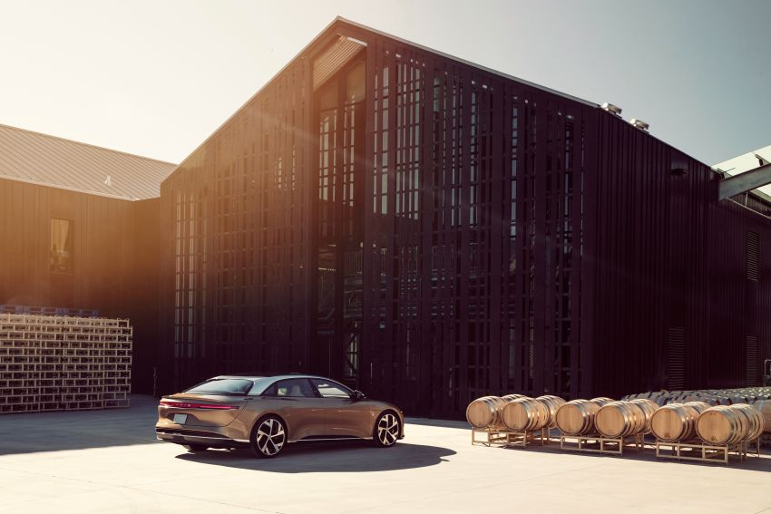 Lucid Air – production electric sedan debuts with up to 1,080 hp, 0-60 mph in 2.5 secs, 832 km of range Image #1174504