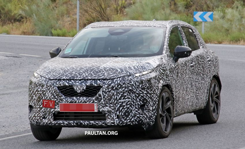 SPYSHOTS: Next Nissan Qashqai on test; interior seen Image #1173284