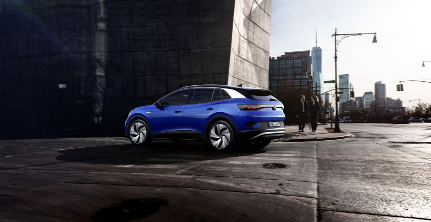 Volkswagen ID.4 electric SUV debuts – 77 kWh battery, 520 km range; from RM135,412 in US after tax credit Image #1182098