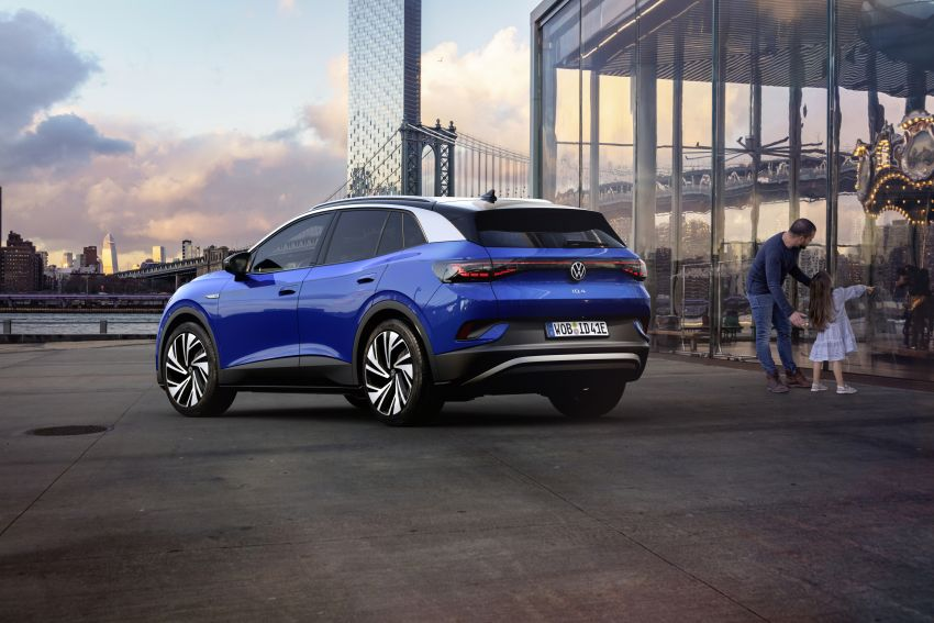 Volkswagen ID.4 electric SUV debuts – 77 kWh battery, 520 km range; from RM135,412 in US after tax credit Image #1182061