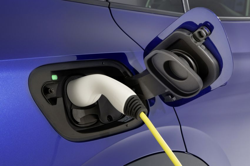 Volkswagen ID.4 electric SUV debuts – 77 kWh battery, 520 km range; from RM135,412 in US after tax credit Image #1182079
