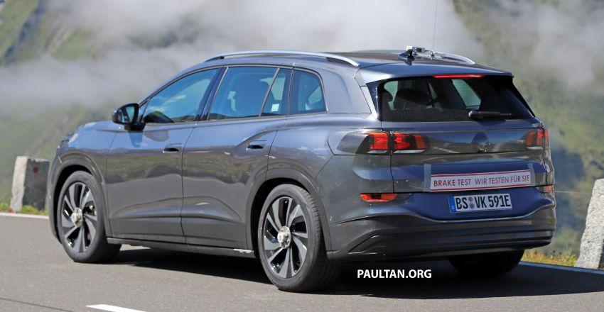 SPYSHOTS: Volkswagen ID 6 electric seven-seater Image #1173801
