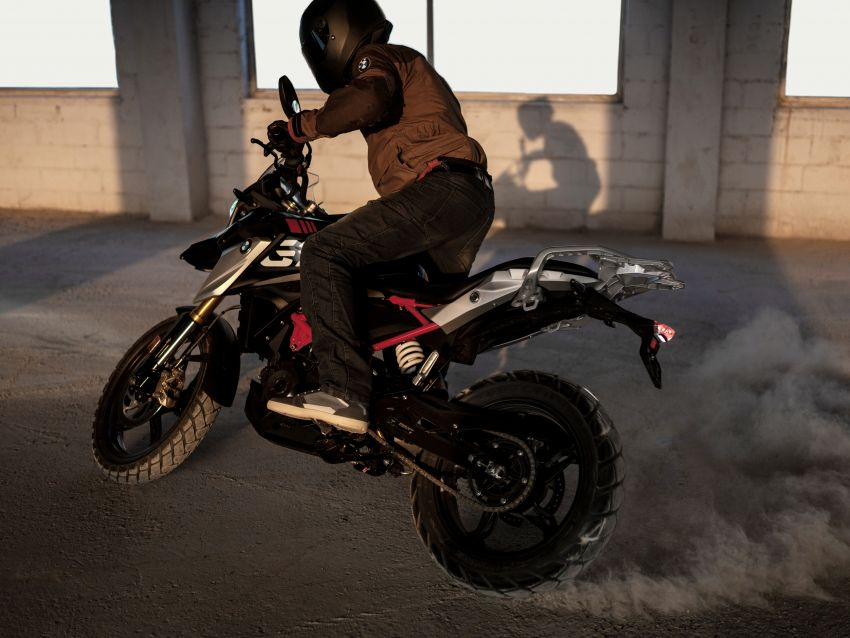2020 BMW Motorrad G310GS facelift – updated with LED lighting, adjustable levers, new paint schemes Image #1187516