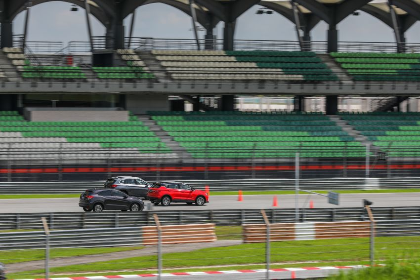 DRAG RACE: Proton X50 vs Honda HR-V vs BMW X1 Image #1186234