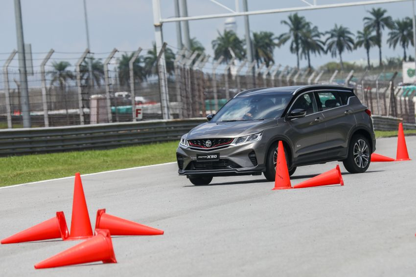 VIDEO: Proton X50 – how does it handle a slalom with suspension softened for Malaysian road conditions? Image #1186258