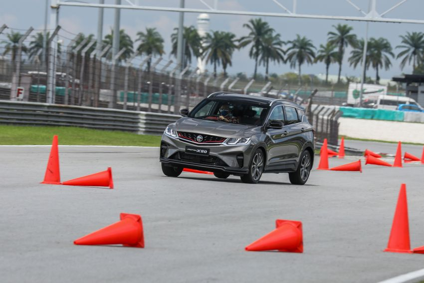 VIDEO: Proton X50 – how does it handle a slalom with suspension softened for Malaysian road conditions? Image #1186262