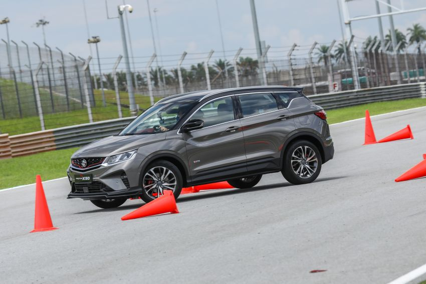 VIDEO: Proton X50 – how does it handle a slalom with suspension softened for Malaysian road conditions? Image #1186263