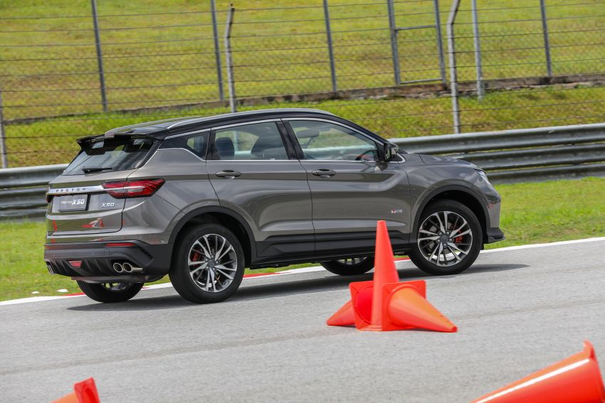 VIDEO: Proton X50 – how does it handle a slalom with suspension softened for Malaysian road conditions? Image #1186274