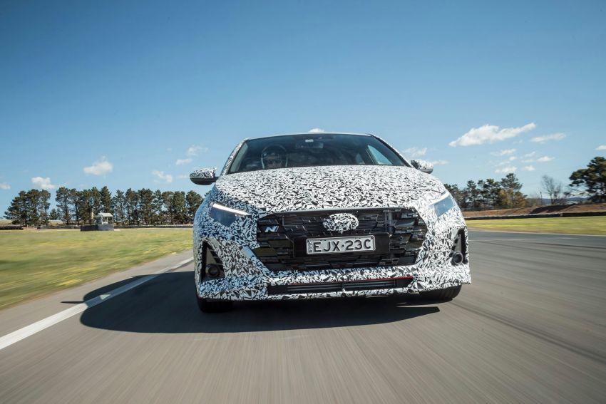 Hyundai i20 N – <em>teaser</em> disiar, sah 1.6L Turbo berkuasa 204 PS dan tork 275 Nm, kotak gear manual 6-kelajuan Image #1189248