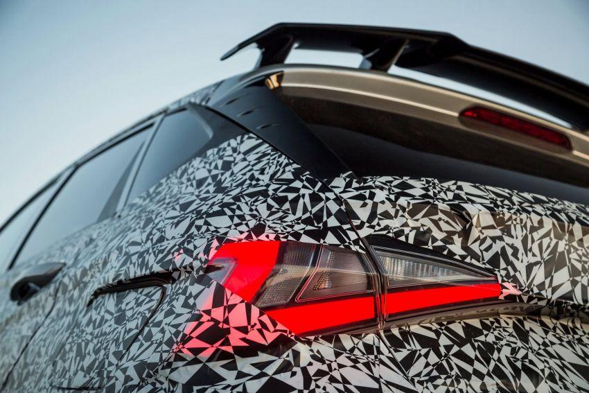 Hyundai i20 N – <em>teaser</em> disiar, sah 1.6L Turbo berkuasa 204 PS dan tork 275 Nm, kotak gear manual 6-kelajuan Image #1189237