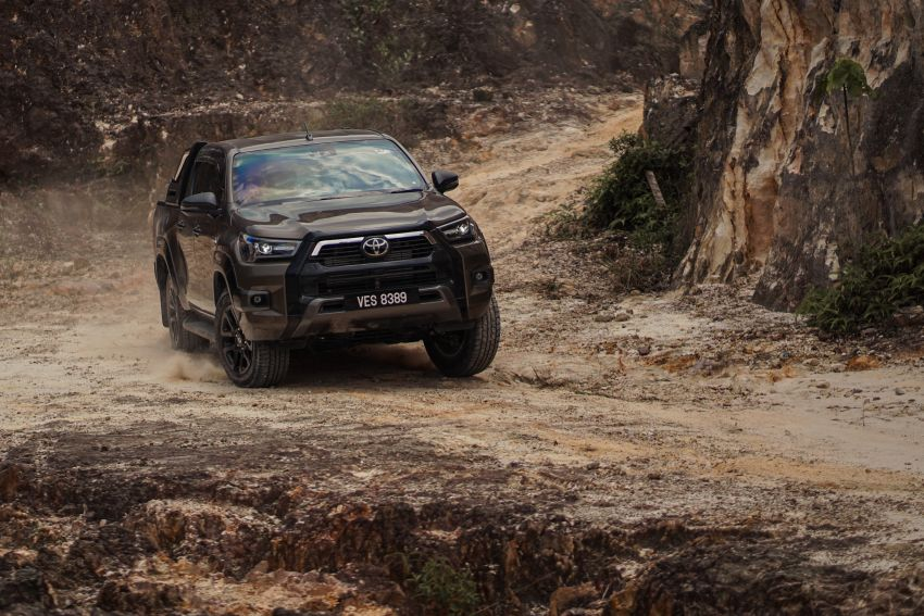 2021 Toyota Hilux facelift launched in M'sia – power bump for 2.8L Rogue, 10k service interval, from RM93k Image #1189566