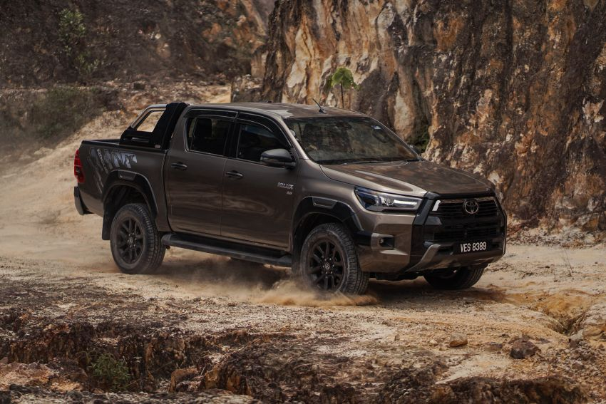 2021 Toyota Hilux facelift launched in M'sia – power bump for 2.8L Rogue, 10k service interval, from RM93k Image #1189567