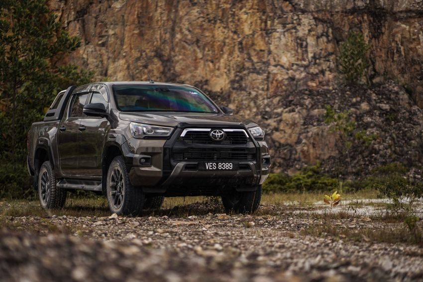 2021 Toyota Hilux facelift launched in M'sia – power bump for 2.8L Rogue, 10k service interval, from RM93k Image #1189576