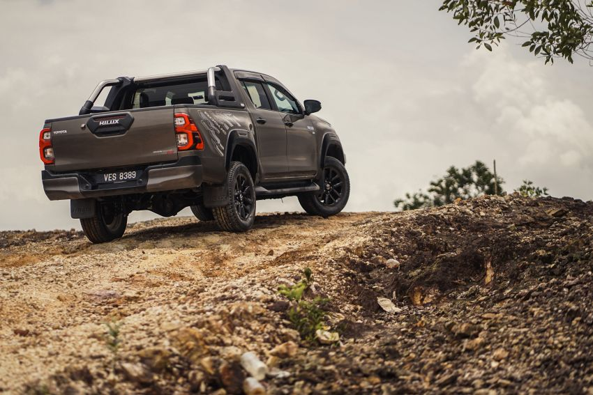2021 Toyota Hilux facelift launched in M'sia – power bump for 2.8L Rogue, 10k service interval, from RM93k Image #1189559