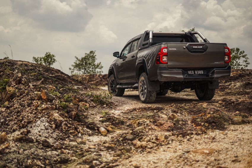 2021 Toyota Hilux facelift launched in M'sia – power bump for 2.8L Rogue, 10k service interval, from RM93k Image #1189560