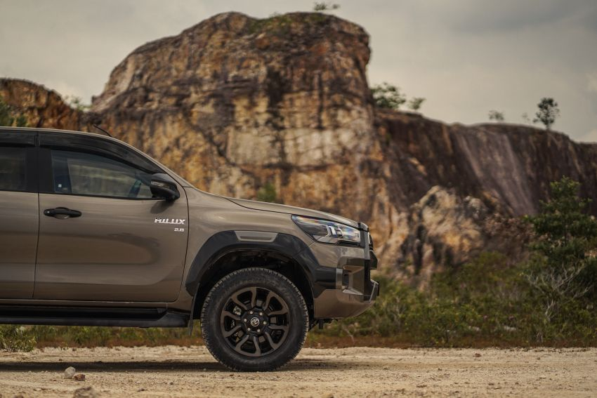 2021 Toyota Hilux facelift launched in M'sia – power bump for 2.8L Rogue, 10k service interval, from RM93k Image #1189562