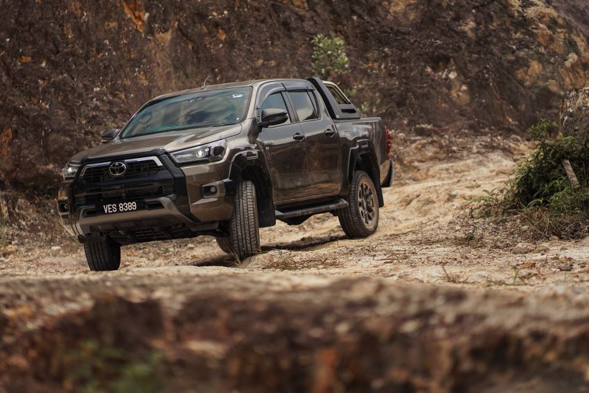 2021 Toyota Hilux facelift launched in M'sia – power bump for 2.8L Rogue, 10k service interval, from RM93k Image #1189564